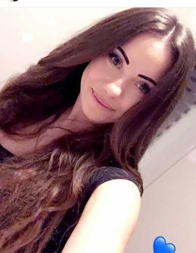 Çekici genç kız Nalan