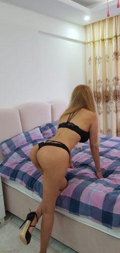 Eşsiz ön sevişme yapan kadın Ceyla