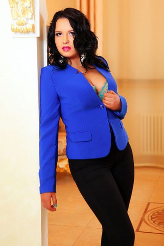 Gösterişli ön sevişme yapan escort Rahime