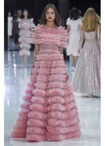 Ralph & Russo Ilkbahar-yaz 2018 Couture Defilesi