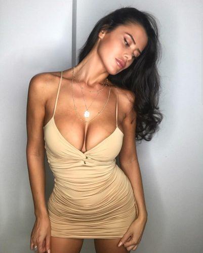 Seks kraliçası kaprissiz bayan Dilan