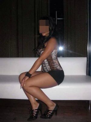 Seksi otelde buluşan eskort Rahşan