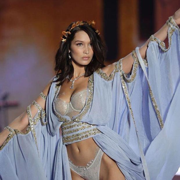 Victoria's Secret şangay defilesi yine büyüledi!
